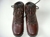 Brasher Hillmaster Walking boots size 11 only worn twice like new
