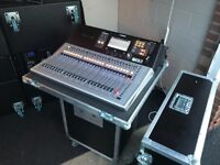 Yamaha TF3 Digital Mixer with Flightcase