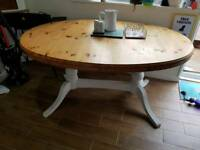 Ducal extendable table and chairs