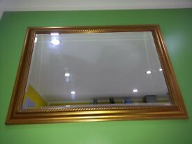 Very nice and decorative carved gold crystal mirror!in good condition! Can deliver or post