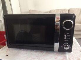 Brand New 800w digital black microwave