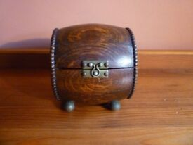 Beautiful barrel shaped wooden trinket box. Excellent condition. £15