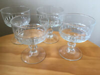 4 vintage matching, clear glass, stemmed sundae, fruit salad prawn cocktail, dessert dishes or bowls