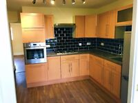 A Newly Renovated 2 Bedroom Flat - Norbreck Gardens, NW10 - 3 min Walk to Hanger Lane Tube Station