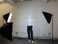 STUDIO SPACE AVAILABLE FOR HOURLY/ REGULAR USE/ Product photography