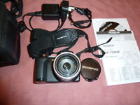 Olympus SP-720UZ Digital camera, charger and case - Fantastic condition