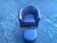 CHILDS CLUB CHAIR AND FOOT REST