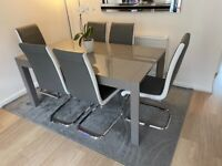 Gloss Grey Extending Dining Table & 6 chairs