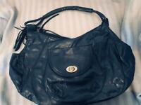 Navy blue handbag, immaculate