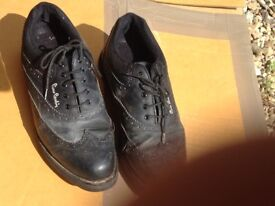 Mens black Golf shoes size 10 Pierre Cardin used