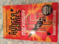 Hunger games mocking jay book