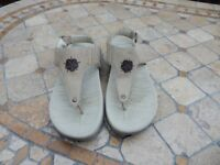 Ladies Size 6 Hotter Thong Platform Sandals