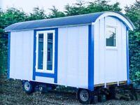 SHEPHERDS HUT - 4 Season, oak flooring, Mira shower, toilet, cooker, double bed and decking