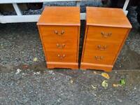 2 dark Oakwood lockers £39