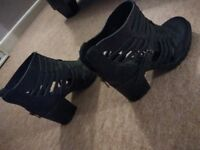 ladies/girls New Look boots size 5