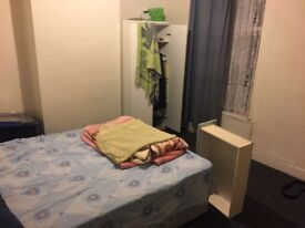 Double Room Available To Let