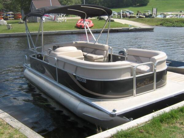 Used 2013 Smoker Craft Inc Sun chaser