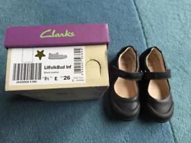 Clarks School shoes 8.5E eur 26
