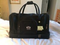 Quality TURNBERRY Golf Holdall. Never used. Still with tags