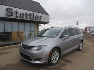 2017 Chrysler Pacifica TOURING-L PLUS DVD! SUNROOFS! LEATHER!!
