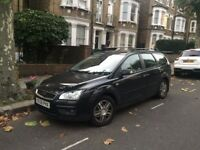 Ford Focus GHIA, Petrol, Manual, Top Spec: Cruise Control, Auto Lights/wipers, Sony Radio, Black