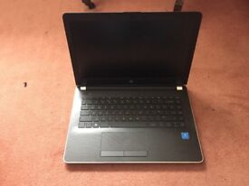 Near new unused HP laptop with carry case and warranty