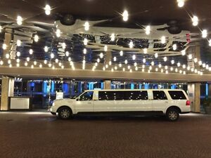 Lincoln Navigator Stretch SUV Limousine 14 passenger. LimoGuy.ca