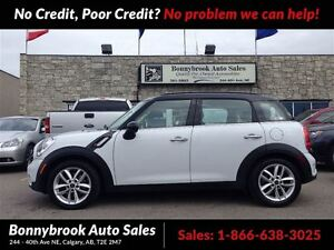 2011 MINI Cooper Countryman S comes with panoramic sunroof / lea