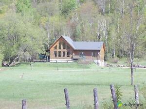 850 000$ - Domaine et villa à vendre à Huberdeau