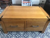 *** SOLID OAK COFFEE TABLE WITH STORAGE ***