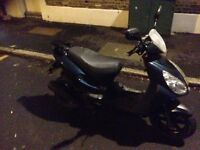 125cc AUTO moped