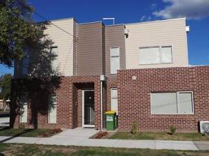 STUDIO ACCOMMODATION - BILLS INCLUDED Dandenong North Greater Dandenong Preview