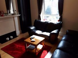 Fully furnished 2 double bedroom First Floor Flat in city centre Rosemount St (LeadSide Road)