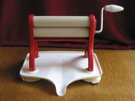 1950s / Limpet Portair Table Top Mangle