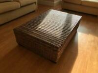 Coffee table/storage chest - Rattan (real) & solid wood