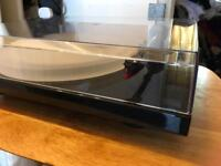Project 1 Expression III Hifi Turntable, Carbon tonearm, 2M Red Ortofon Cartridge