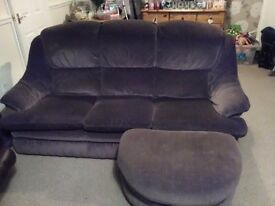 Immaculate 3 seater sofa , 2 matching armchairs and matching footstool.reduced need gone Asap...