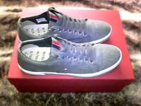 TOMMY HILFIGER MEN'S TRAINERS SIZE 8