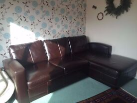 Leather 5 person Corner Sofa - Bed-Sofa and Integrated Storage - Excellent Condition