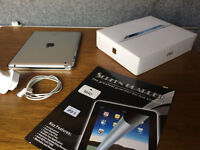 Ipad 3rd generation 32Gb APPLE, perfect condition, (coming with keyboard and orgininal case)