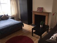 BRIGHT AND HOMELY ROOMS IN ADDISCOMBE CROYDON