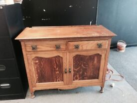 OLDFASHIONED CABINET WITH DRAWERS AND KEYS