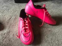 Nike ladies football trainers mercurial N95 pink colour Size 5/38 used few times ex condition £8