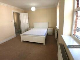 1 bedroom in Brookbank Close, Cheltenham, GL50 (#1036000)