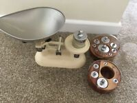 Balance weighing scales with imperial and metric weights