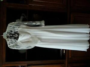 Elegant wedding gown. Size 14