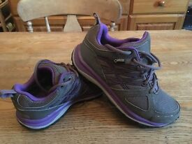 North face womens gore tex walking shoes size 5.