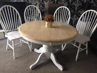 Beautiful extending shabby chic dining table and 4 chairs