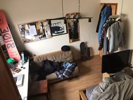 double Bedroom in Shoreditch with a view on Regents Canal