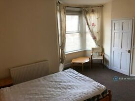 1 bedroom in Okehampton Road, Exeter, EX4 (#1057377)